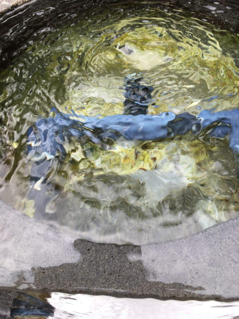 柿田川湧水水くみ場のきれいな水