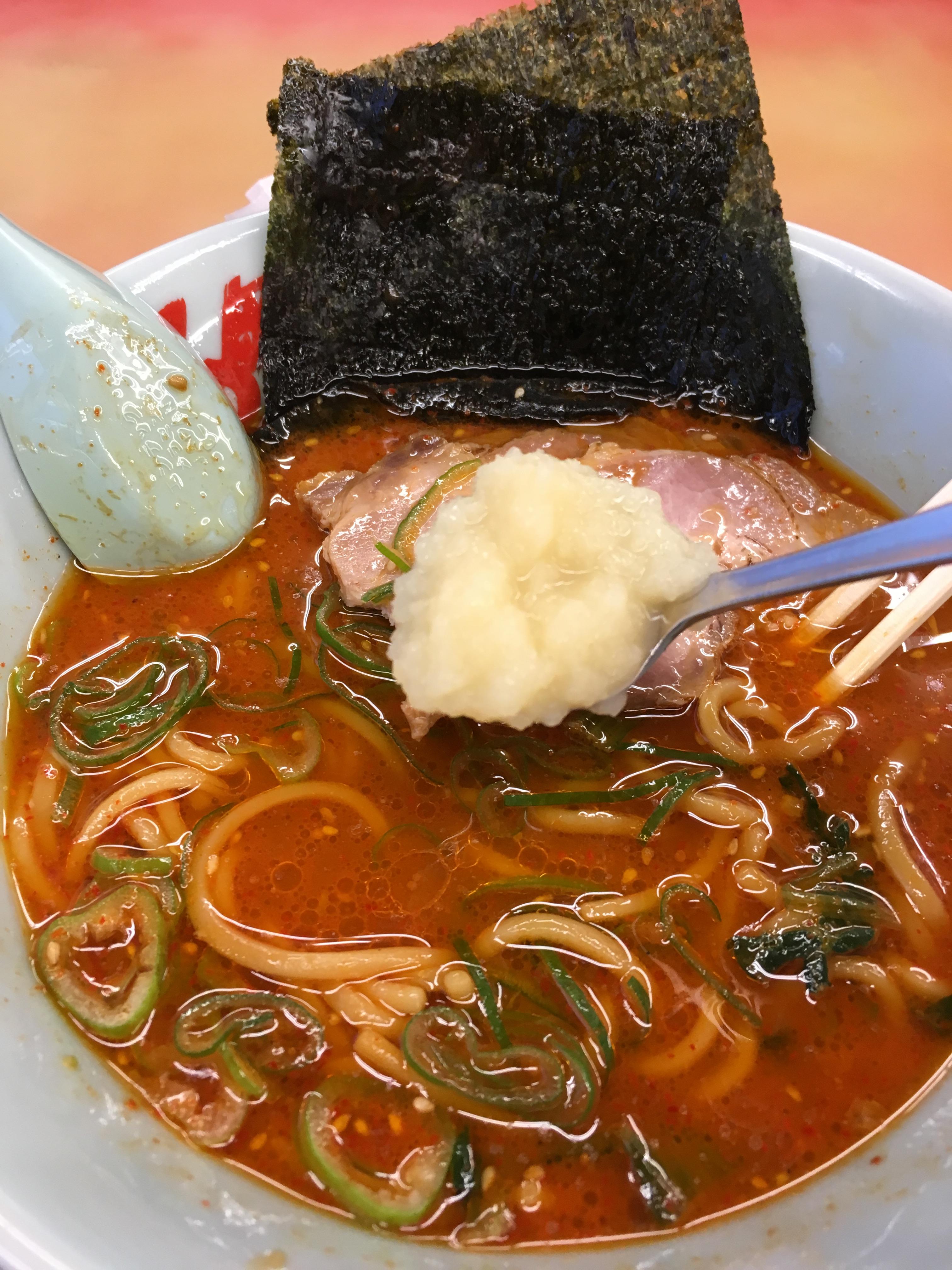 山岡家の辛味噌チャーシュー麺にすりにんにく